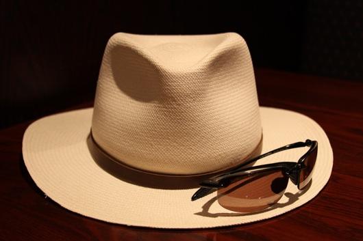 hat-n-sunglasses
